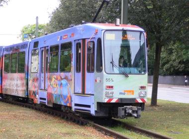 Beklebung Bus und Bahn