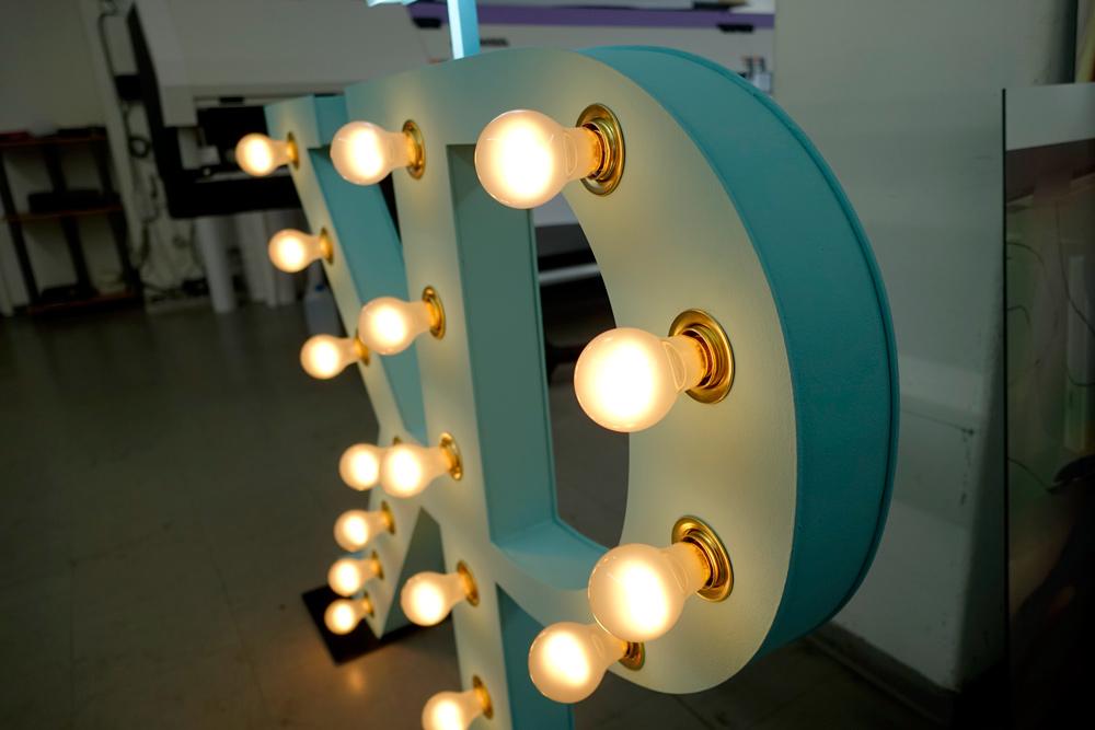 3d buchstaben und leuchtschrift fine print digital druck gmbh innen und au enwerbung. Black Bedroom Furniture Sets. Home Design Ideas